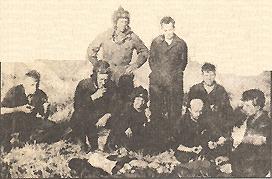 Период испытаний нового танка. Михаил Кошкин(стоит справа)со своей командой